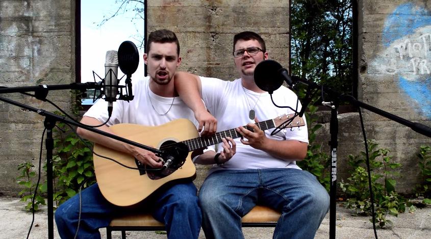 Двајца момци, една гитара и песна од Еминем
