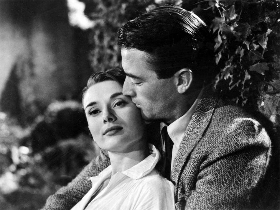 Неколку начини на кои можете да ја вратите традиционалната романса во вашиот љубовен живот