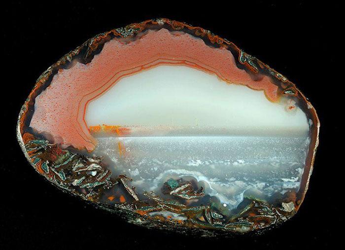 (1) Природата како сликар: Неверојатни апстрактни пејзажи на ахат кристали