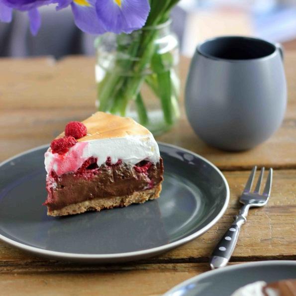 (3) Торта со малини во три слоеви, совршен десерт без печење за вашите најблиски