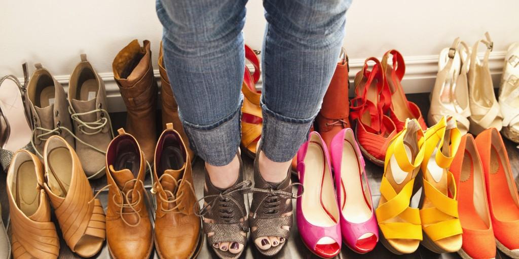 5 најголеми грешки кои сите ние ги правиме со патиките и чевлите