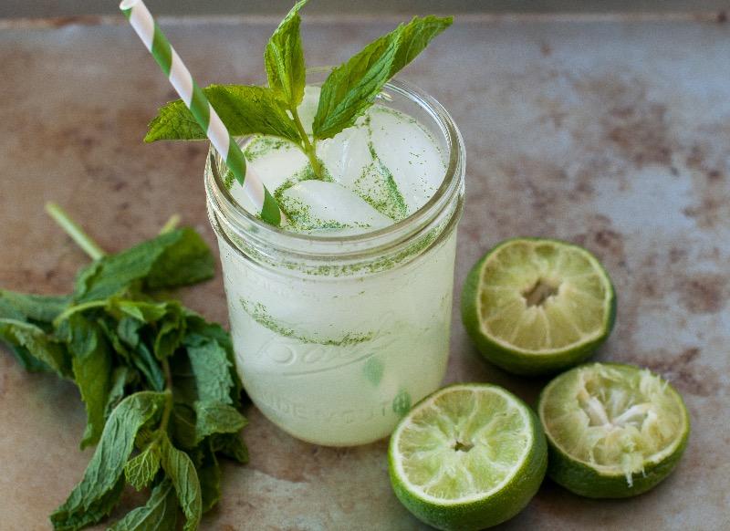 Лиметада: Пијалак од 4 состојки кој ќе ви го смири желудник и ќе го зајакне вашиот имунитет