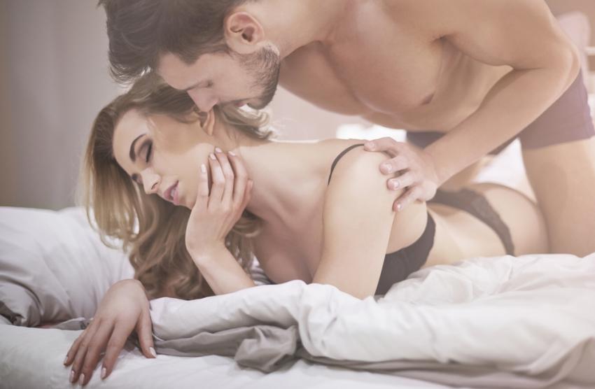 Огнена поза за незаборавен секс: Искуство кое долго ќе го помните
