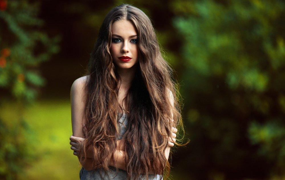 Правилна нега на косата: 4 совети за сјајна коса без испукани врвови