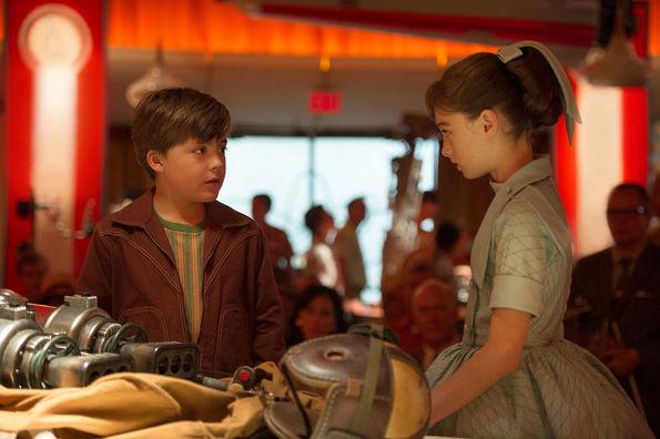 (5) Филм: Утреземја: Светот понатаму (Tomorrowland)