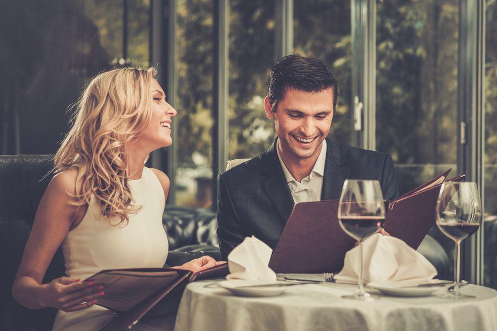 5 лаги кои е сосема во ред да ги кажете на првиот љубовен состанок