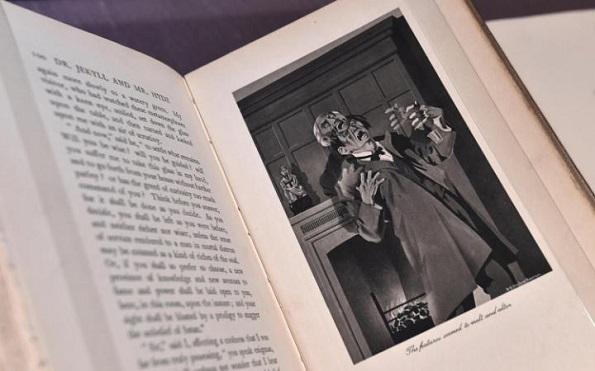 Чудниот случај на Доктор Џекил и Мистер Хајд се продала во 40000 примероци само во првите 6 месеци