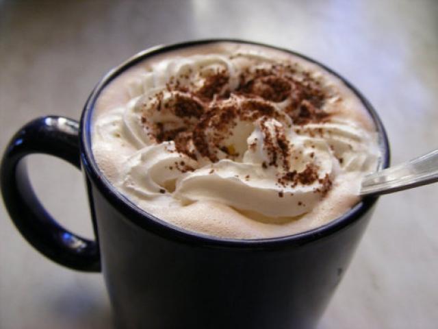 1-vrelo-i-slatko-zadovolstvo-topli-chokoladi-koi-mora-zadolzhitelno-da-gi-vkusite-ovaa-zima-www.kafepauza.mk_