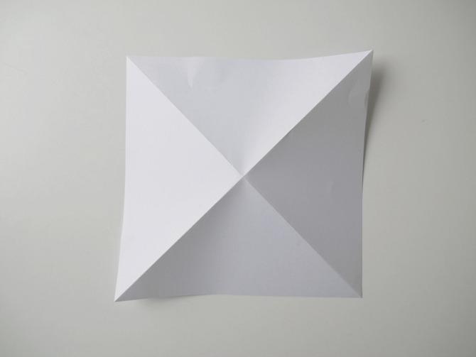 5-unikatno-posebno-originalno-napravete-sami-origami-ukras-vo-oblik-na-dijamant-www.kafepauza.mk_