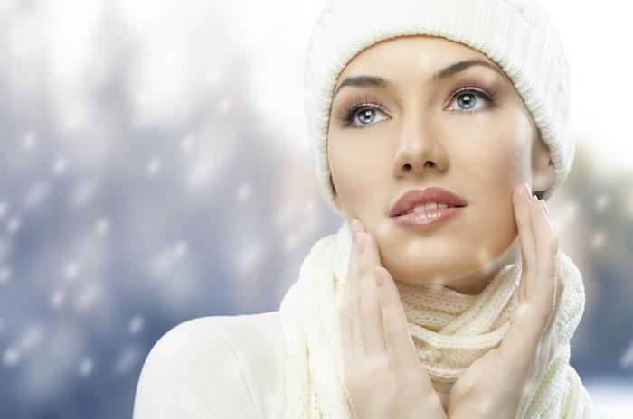 Како да ја прилагодите вашата шминка на студените зимски денови?