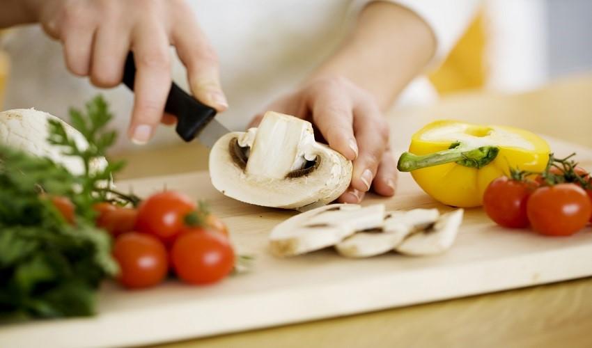 11 навики на подготвување на храната кои го загрозуваaт вашето здравје