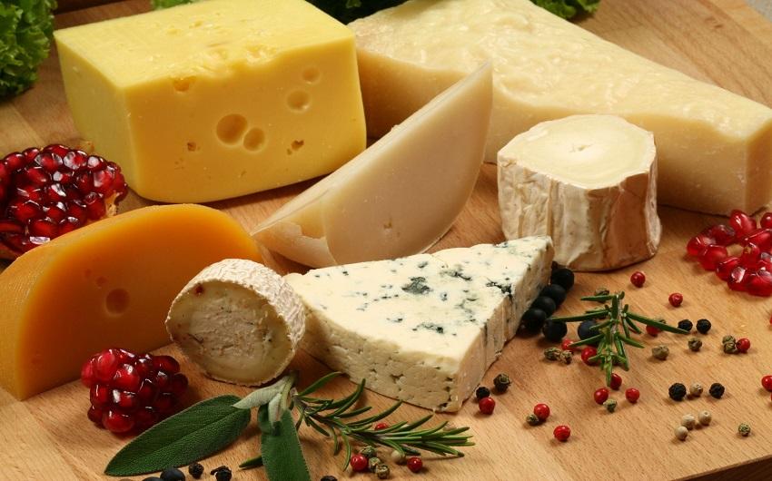 5 причини зошто сирењето го топи вашето срце повеќе од вашите љубени
