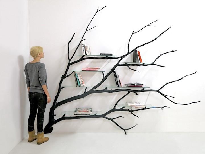 Оваа падната гранка од дрво трансформирана во креативна и неконвенционална полица