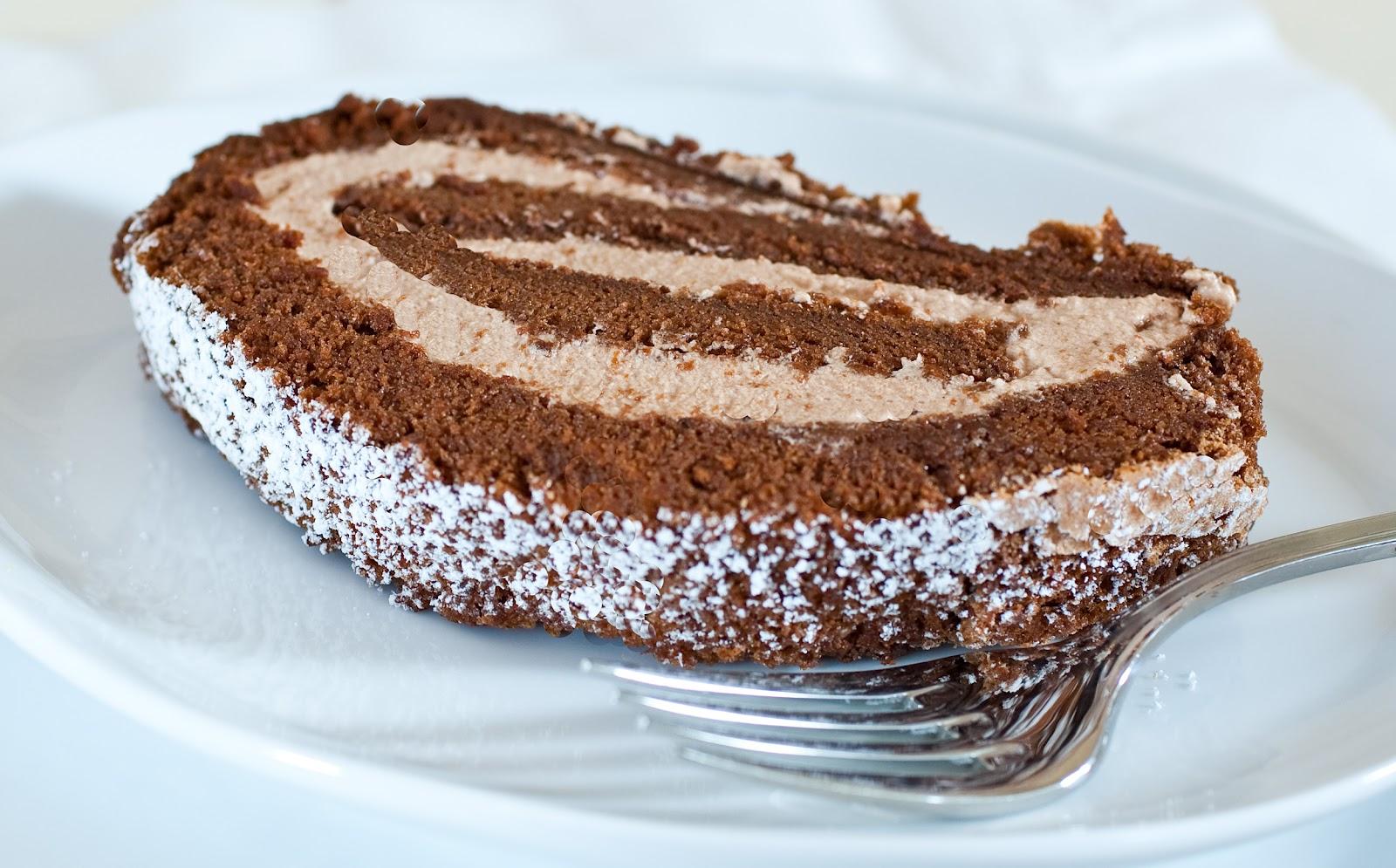 Вкусен десерт: Ролат во форма на солза