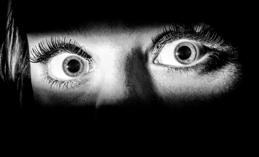 Зошто се ежиме кога сме исплашени?