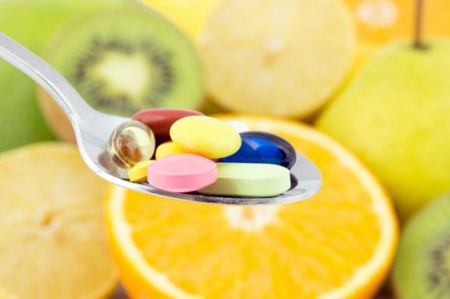 Главоболка, грчеви, кршливи нокти и коса: Ви недостасува овој витамин!