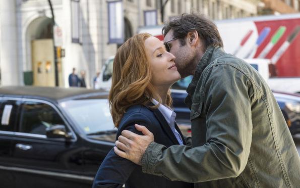 (2) ТВ серија: Досиеја икс (The X-Files)