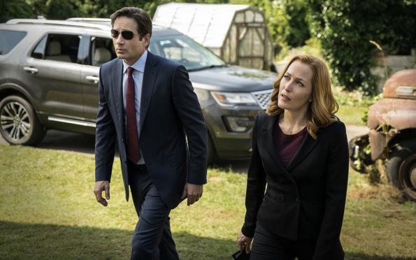 (3) ТВ серија: Досиеја икс (The X-Files)