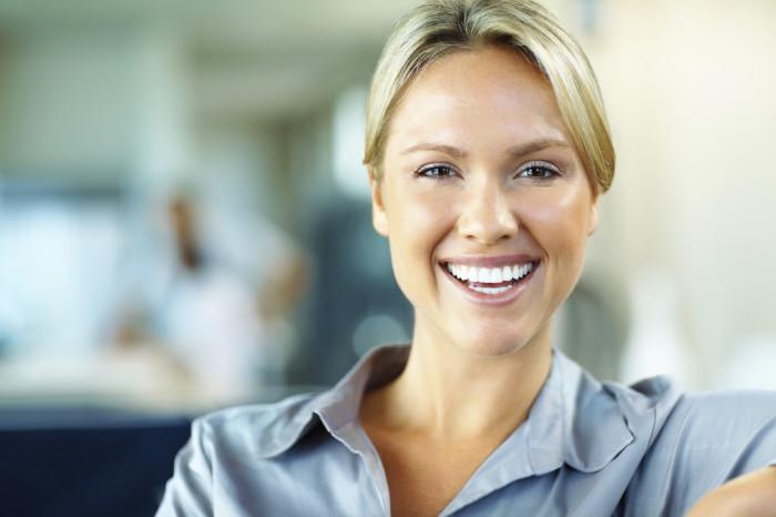Избришете ги сите знаци на стареење со помош на белка од јајце и стапчиња за уши