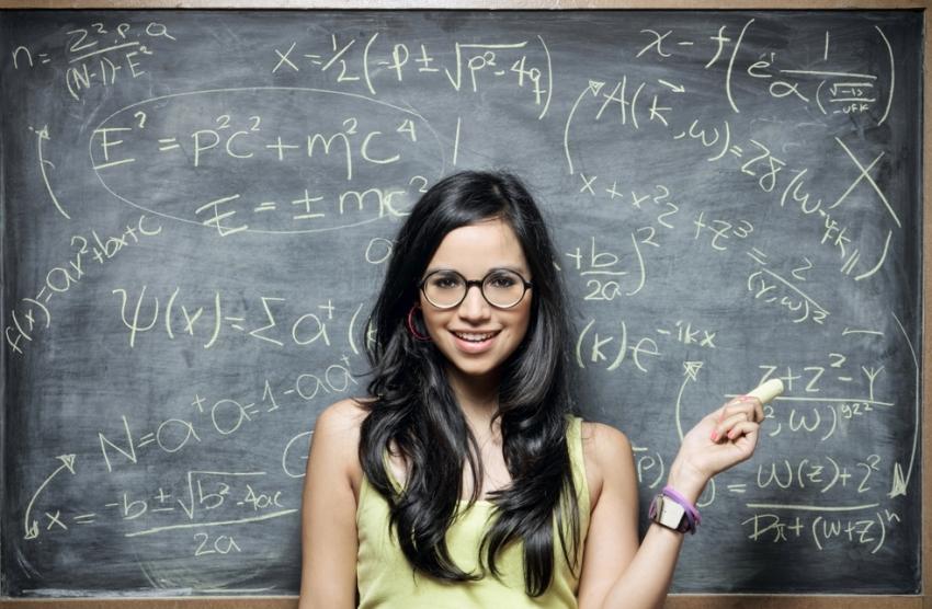 Математички трик кој го освои светот: Кој број чевли носите и колку години имате?
