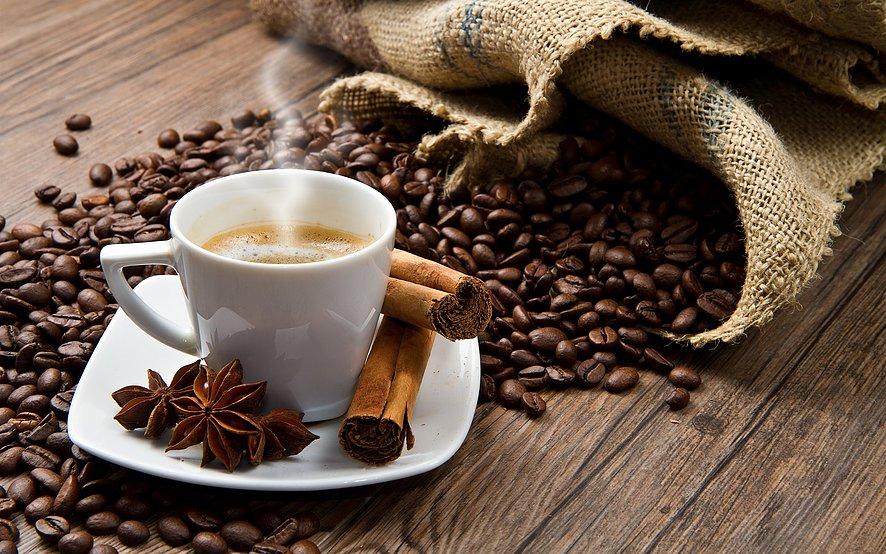 Како кофеинот од различни производи влијае на организмот?