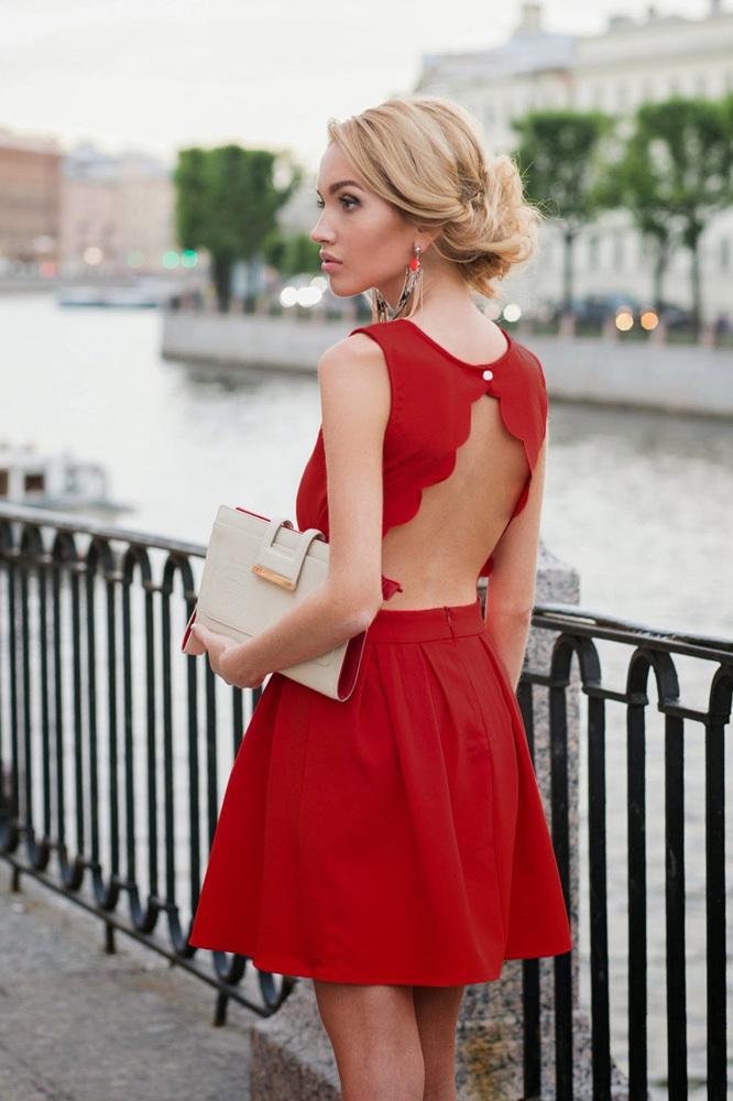 (2) 8 парчиња облека кои секој маж сака да ги види на својата девојка