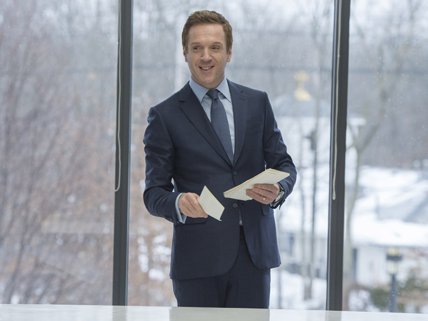 "Damian Lewis as Bobby ""Axe"" Axelrod  in Billions (Season 1, Episode 1). - Photo:  JoJo Whilden/SHOWTIME - Photo ID:  Billions_101_6905.R"