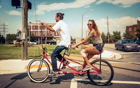 (3) 30 мали, но клучни трикови за одржување на љубовта во вашата врска