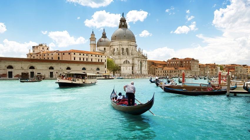 6 книги кои ќе ве одведат во Италија од било кое место на Земјата