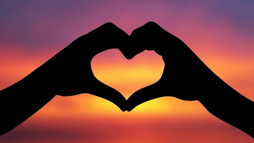 5 причини зошто да ја изберете љубовта пред стравот
