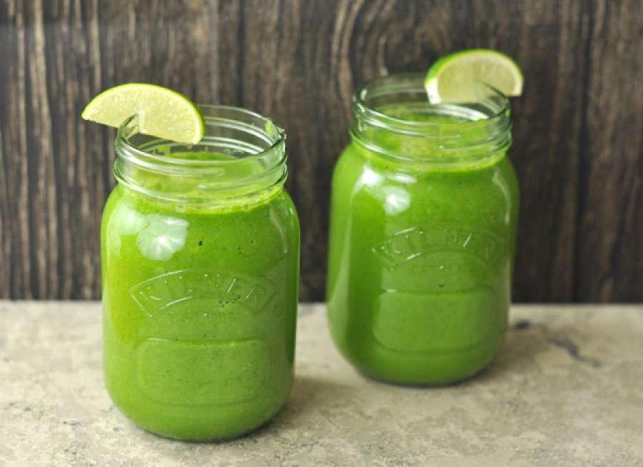 Речете збогум на лошото варење на храната: Зелено смуди кое ја подобрува работата на цревата