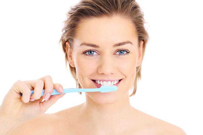 5 страшни работи што може да ви се случат доколку не ги миете забите редовно