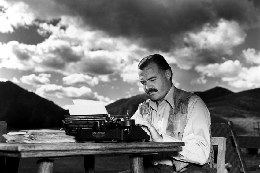 По препорака на Хемингвеј: 12 книги кои мора да ги прочитате