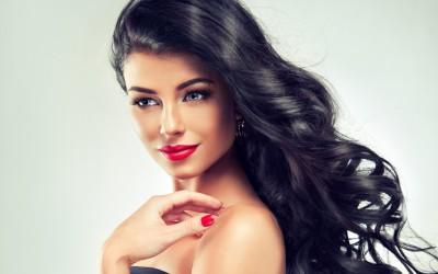 10 знаци кои ќе ви откријат дека покрај себе имате совршена девојка