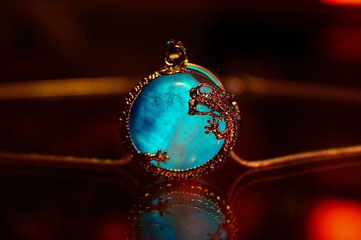 Мистични ѓердани кои светат во волшебна тиркизна светлина