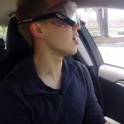 Овие луѓе ја разбудија својата свест откако се обидоа да возат пијани со помош на симулатор на возење