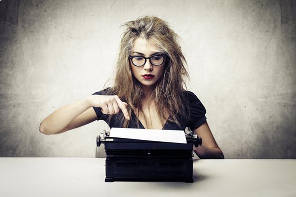 11 причини зошто треба да бидете во љубовна врска со писател