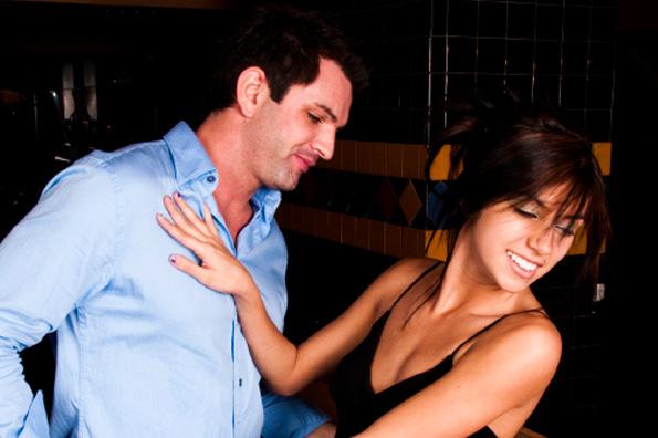 12 урнебесни начини да ги одбиете момците кои не сакате да ви се додворуваат