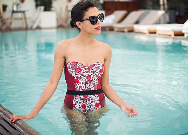 (5) 6 начини да изгледате пофотогенично во вашиот костим за капење