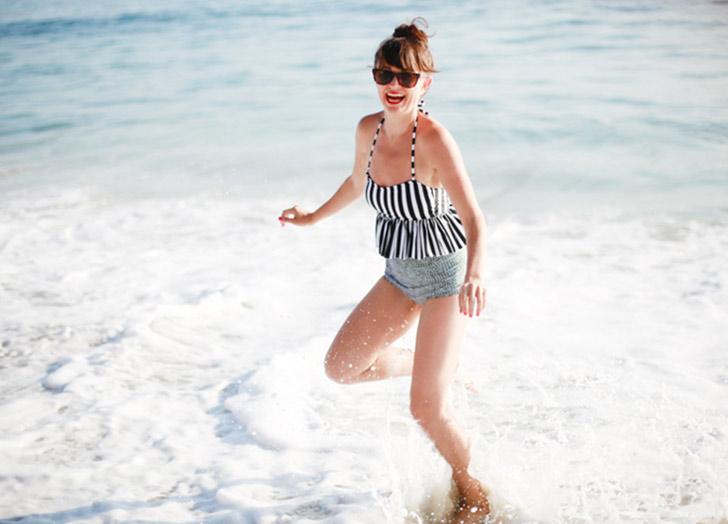 (6) 6 начини да изгледате пофотогенично во вашиот костим за капење