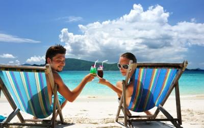 10 причини поради кои момците обожаваат да одат на одмор со нивната девојка