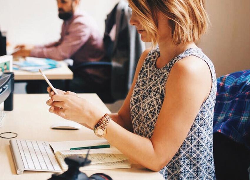 (1) 5 супер лесни трикови брзо да се одморите од работата пред компјутер