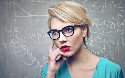 7 знаци дека сте многу интелигентни иако можеби не мислите така