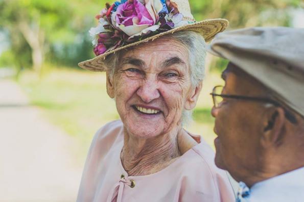 (1) Ана и Амброзио: Прекрасен пар кој докажува дека љубовта е посилна од предрасудите