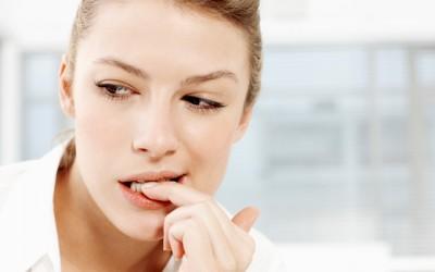 Науката открива: Која е неочекуваната придобивка од грицкањето нокти?
