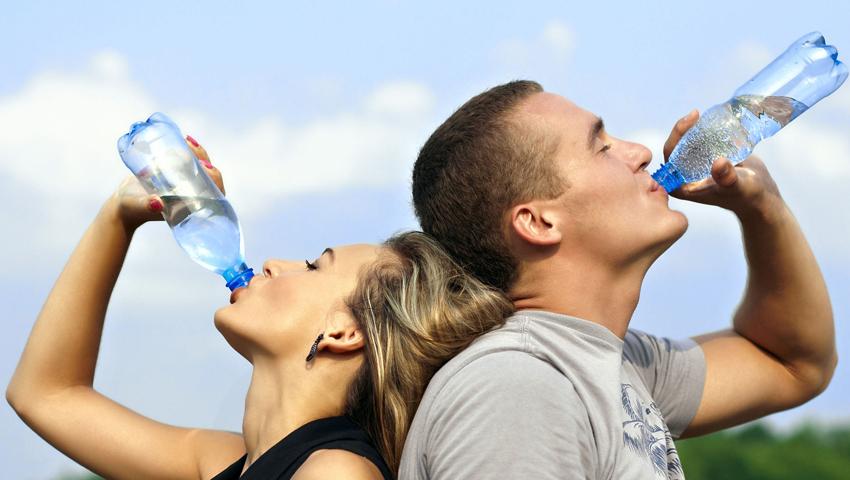 (1) Што ќе се случи со нашите тела кога 30 дена би пиеле доволно количество вода?