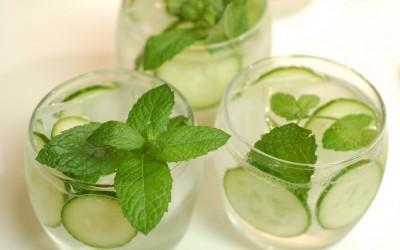 3 едноставни летни пијалаци кои ќе ве освежат во жешките денови