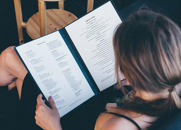 (2)6 тајни што се кријат во менијата за кои рестораните не сакаат да знаете
