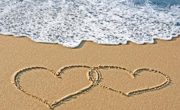 (2) 7 причини зошто летото е најдобро време за романса