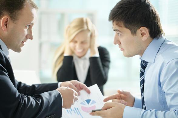 """(2) Причини поради кои можеби шефот ве """"мрази"""" според вашиот хороскопски знак"""